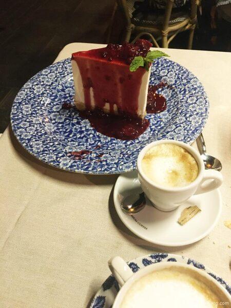 Cheesecake at San Tommaso